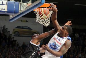 2015_02_09_pallacanestro_cantù_contro_trento