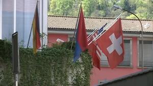 2015_04_21_bandiere_svizzera