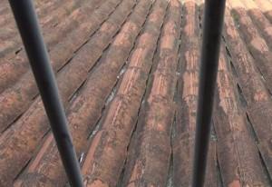 L'amianto è presente nei pannelli sotto le tegole