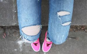 jeans_strappati_studenti