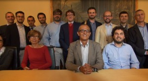 Parte degli amministratori che hanno aderito al comitato. Al centro: Mario Lucini, sindaco di Como