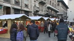 Al via la Città dei Balocchi: luci, mercatini e pista del ghiaccio in città