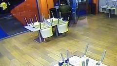 Stazioni nel mirino: dopo San Giovanni, spaccata al bar di Como Borghi