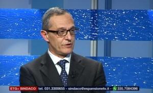 Mario Lucini, sindaco di Como, durante la diretta tv di ieri