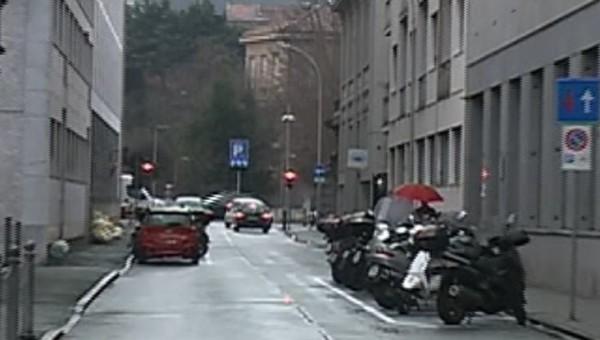 Caos per i nuovi posti moto in via Rubini, raccolta firme dei residenti
