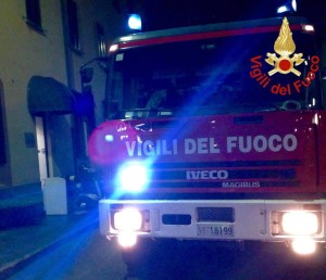 2016_04_28_incendio_como_via_auguadri