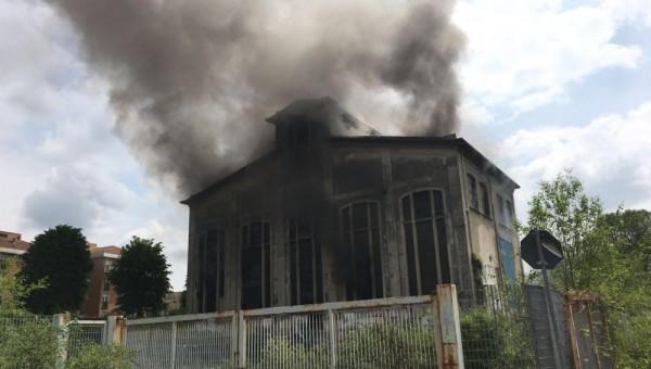 """Santarella dopo l'incendio, il prefetto: """"Rendere inaccessibile l'area"""""""