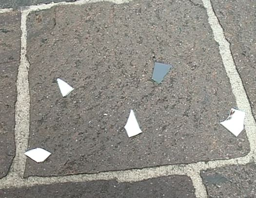 Specchi rotti passaggi sotto le scale giornata anti - Specchio rotto sfortuna ...