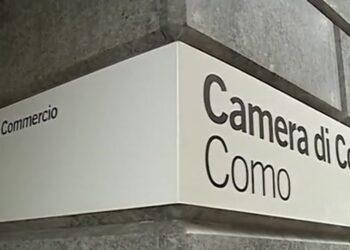 targa camera di commercio esposta sulla sede di Como