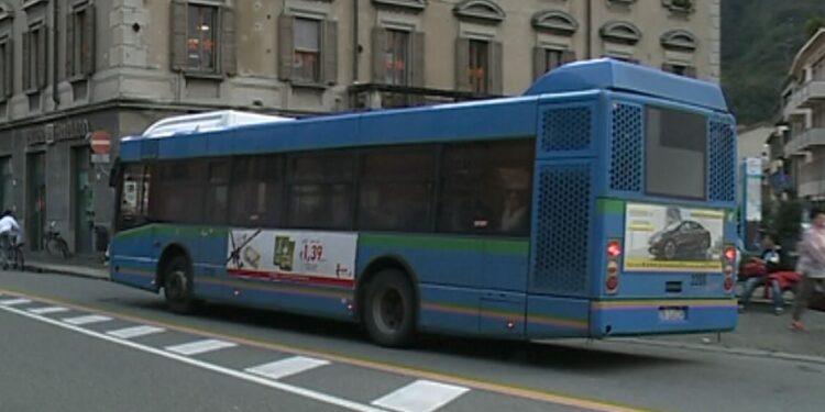 autobus piazza vittoria