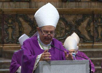 Il Monsignor Oscar Cantoni, vescovo di Como