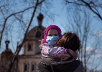 baby and mom during a coronavirus pandemic