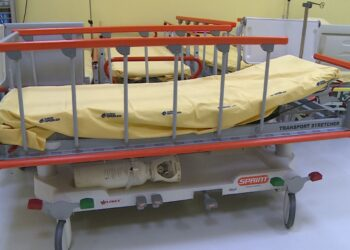 barella ospedale corsia