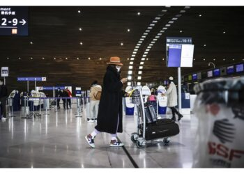 Governo giudica obsoleto progetto 4/o terminal Charles de Gaulle