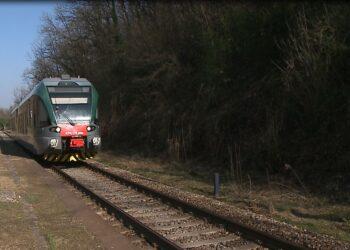 treno sui binari como-lecco