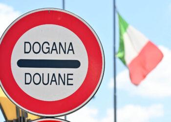 Svizzera, dogana (Como, Ponte Chiasso), frontalieri