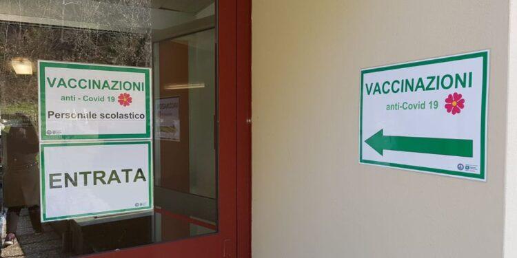 Vaccinazioni in via Napoleona a Como