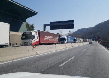 Traffico in autostrada a Chiasso