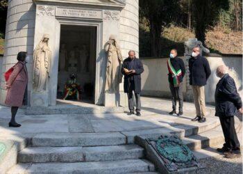 La cerimonia alla tomba di Alessandro Volta