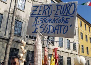 La protesta dei commercianti a Como