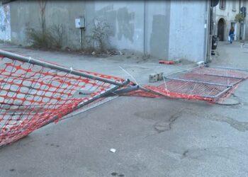 recinzioni davanti all'area dell'ex Ticosa di Como