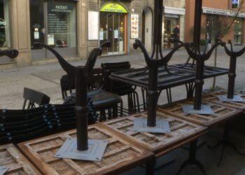 tavolini bar risposti perchè non utilizzati