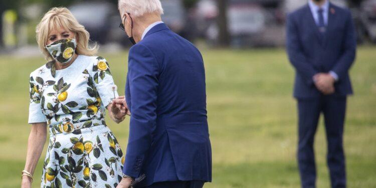 Immagine simbolo del rapporto fra il presidente e la first lady