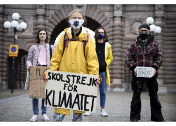 Video dell'attivista: 'Siamo indietro di decenni'