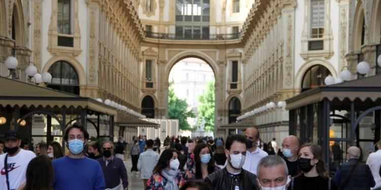 Nel pomeriggio tanta gente in galleria e in corso Buenos Aires