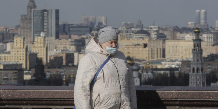 Registrate 9.321 infezioni. A Mosca numeri come il 28 gennaio