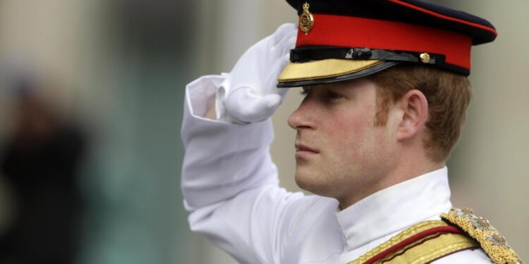 'Lo ha deciso la regina per evitare polemiche su Andrea o Harry'