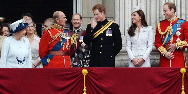 Staff del principe in contatto con Buckingham Palace