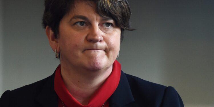 Arlene Foster sfiduciata come leader del partito unionista Dup