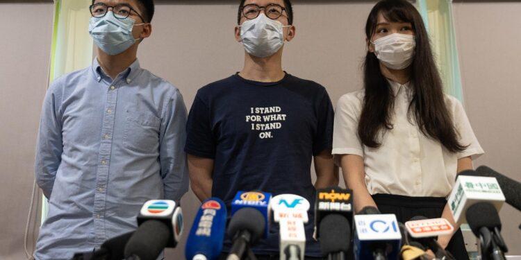 Protesta di Pechino dopo la concessione dell'asilo a Nathan Law