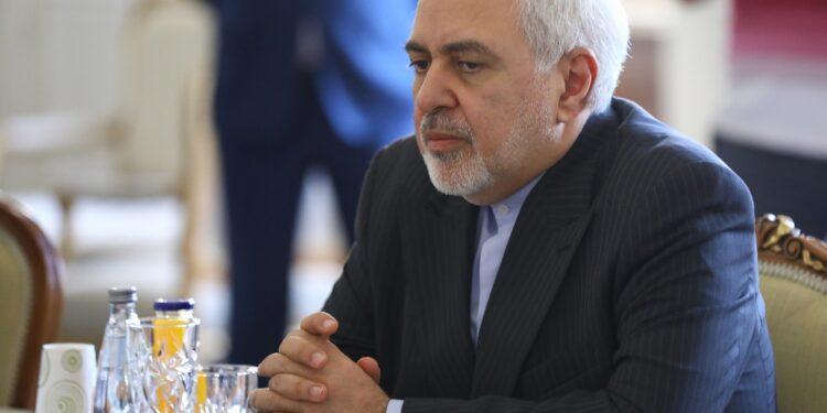 Sullo sfondo dei report di colloqui Teheran-Riad