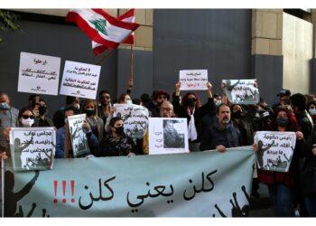 Proteste contro il caro benzina