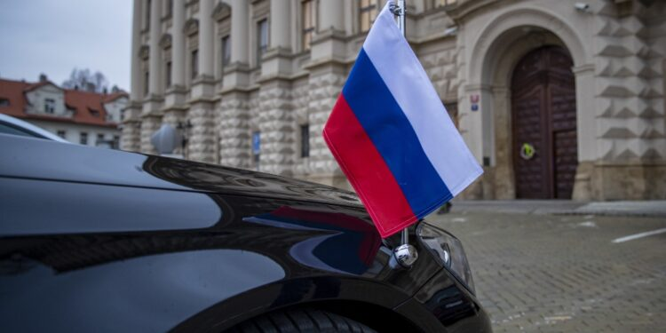 Dopo l'espulsione di 18 diplomatici russi accusati di spionaggio