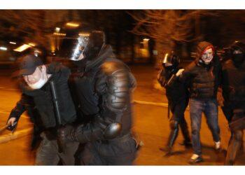 Nel corso delle proteste a sostegno dell'oppositore di Putin