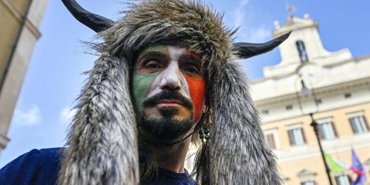Protestò a piazza Montecitorio