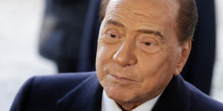Altro possibile impedimento Berlusconi a Siena. A Milano rinvio