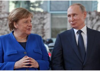 Merkel ha chiesto a Putin di ridurre le truppe russe al confine