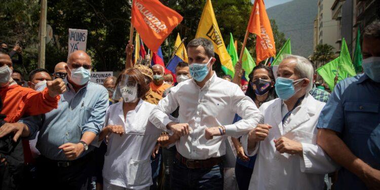Per chiedere al governo Maduro 'vaccini per tutti'