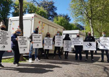 La protesta dei mercanti ambulanti Como