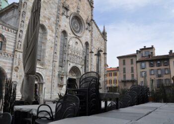 Como, piazza Duomo deserta durante Pasquetta 2021