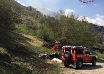L'incendio boschivo a Garzeno