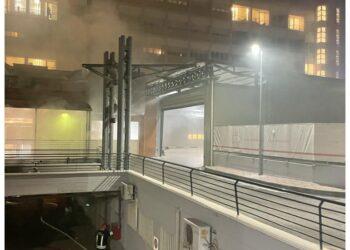 Sul posto diverse autobotti dei vigili del fuoco