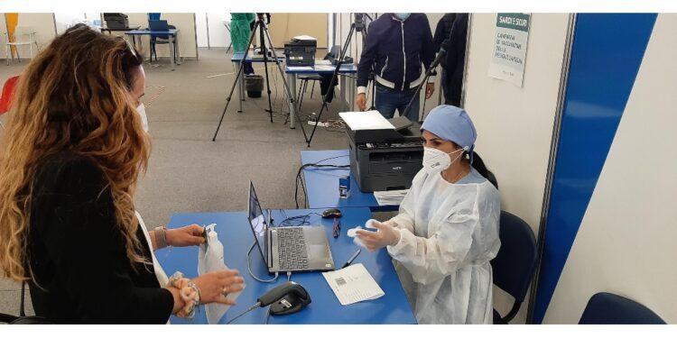 Numerosi rifiuti Astrazeneca e sanzioni a medici non aderiscono