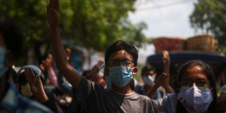Circa 20.000 persone 'intrappolate' a Mindat