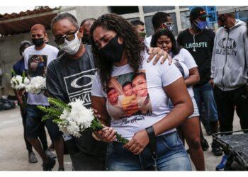 A Jacarezinho vi furono 28 morti durante un blitz antidroga