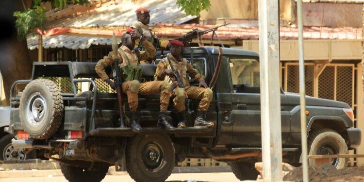 Gruppi armati hanno attaccato civili in tre regioni